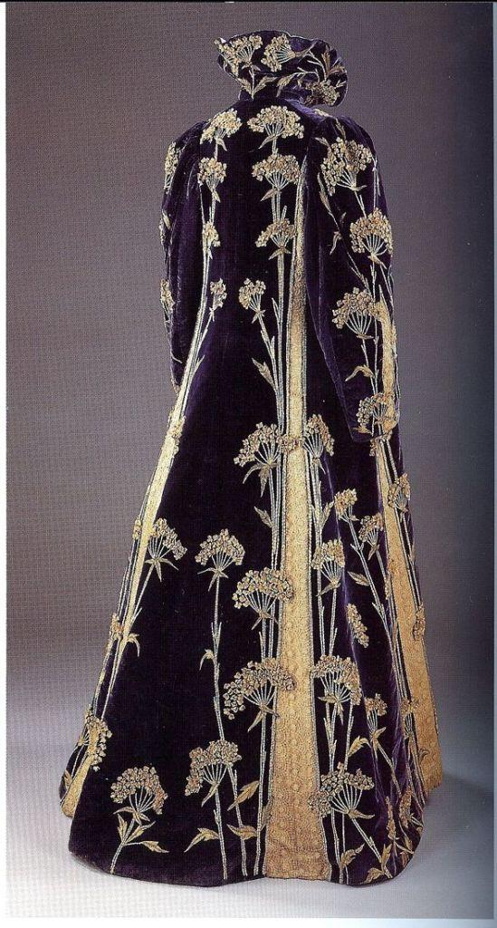 Opera coat 1900
